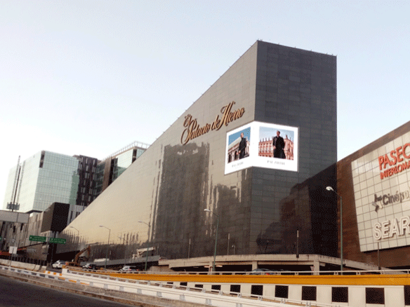 Spectacular Imagic screen for the Palacio de Hierro group in Mexico City